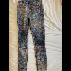Patterned denim jeans